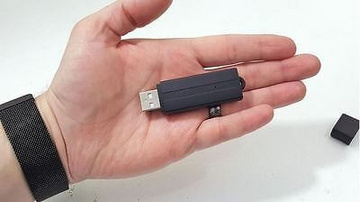 Voice recorder and voice recorder in the Exclusive USB stick with a time stamp