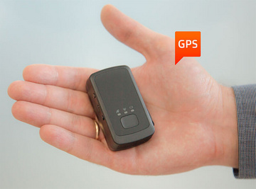 Waterproof GPS Tracker with small dimensions and a standby time of 400 hours